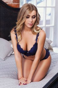 Gorgeous Escort Aponi Fulfill Your Naughty Desires Dubai