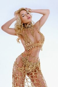 Completely Independent Russian Escort Brenta Always Fun To Be With Downtown Abu Dhabi