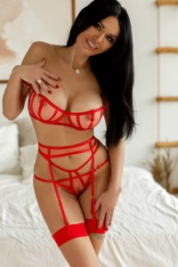 Horny Slovenian Escort Gabrielle Full Night Of Pleasure Without Limits Abu Dhabi