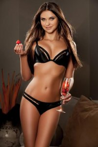 Set A Date Lithuanian Escort Vitalija Body To Body Massage Marina Dubai