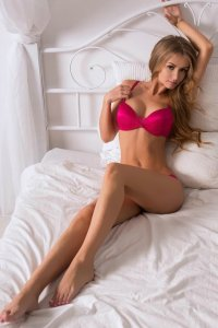 Stunning Blonde Abu Dhabi Escorts Girl Rodica Erotic Pleasure Time
