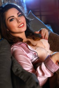 Young Czech Escort Shea Provides A Lot Of Pleasure Abu Dhabi