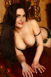Deluxe Dubai Escorts Lady Tamilla Let's Have Fun Now Barsha Heights