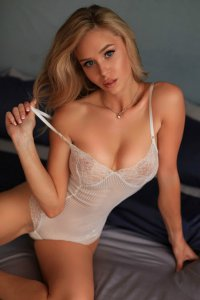 Extremely Hot Escort Tarvi Ready To Play Abu Dhabi
