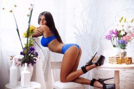 Attractive European Sex Kitten Escort Madalina Perfect Body Abu Dhabi - 5